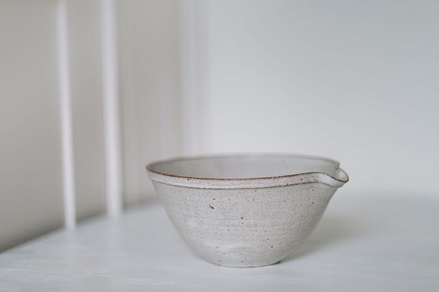 Pouring bowl from Natalie Smith @throwing_pots, which will be on-sale in the shop when we open on Friday next week... #pouringbowl #livingearth #instaceramics #ceramics #stoneware #livingearthlondon #vinegaryardldn
