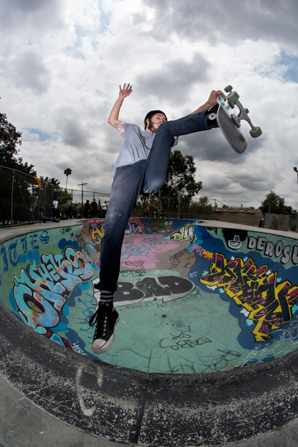 Alex-Asher_Footplant_Garvanza-Skatepark_Welcome-Skateboards.jpg
