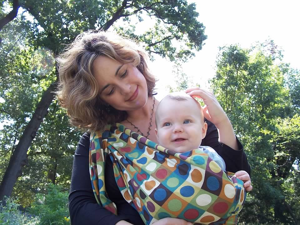 Two life events inspired me to offer this workshop … - Back when my son was a newborn, I was in the thick of new motherhood. I didn't know what I was doing, I felt messy, lonely, incompetent … and in the middle of all that feeling, I got a call from a mom friend.