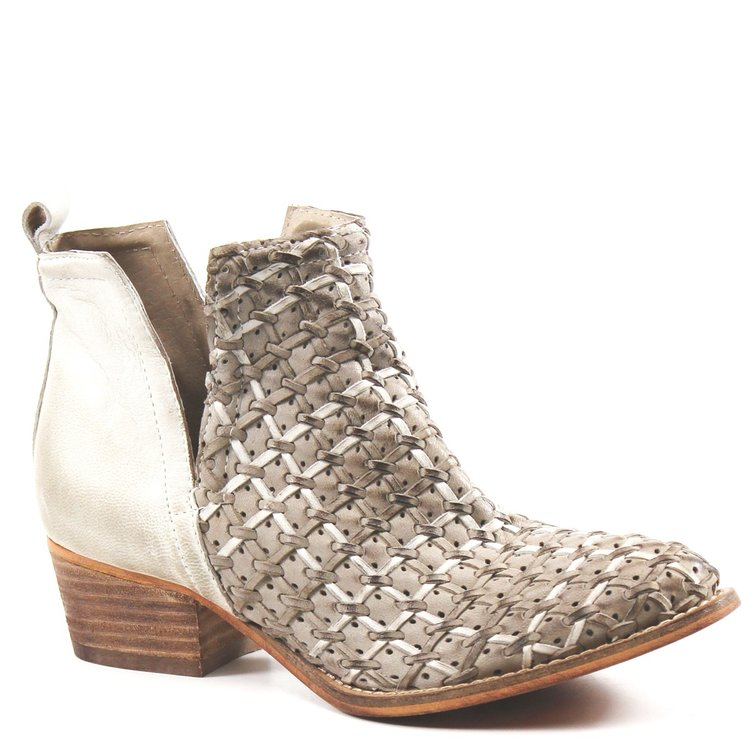 Women's Ankle Boot: STRUCK GOLD