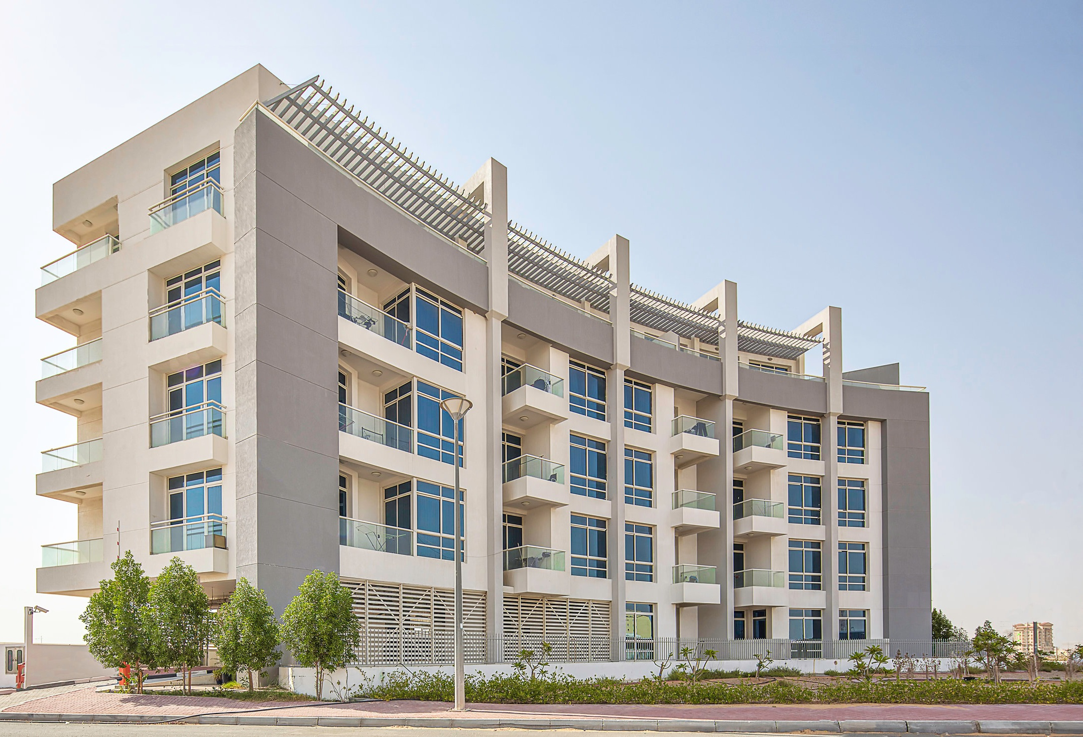 F01 - F01 by Aurora located in Al Warsan 4 is a development focused on creating boutique apartments on a smaller scale. Consisting of 47 apartments with a built-up area of 50,000 sq. ft., the development encompasses Aurora's vision in a modern style.