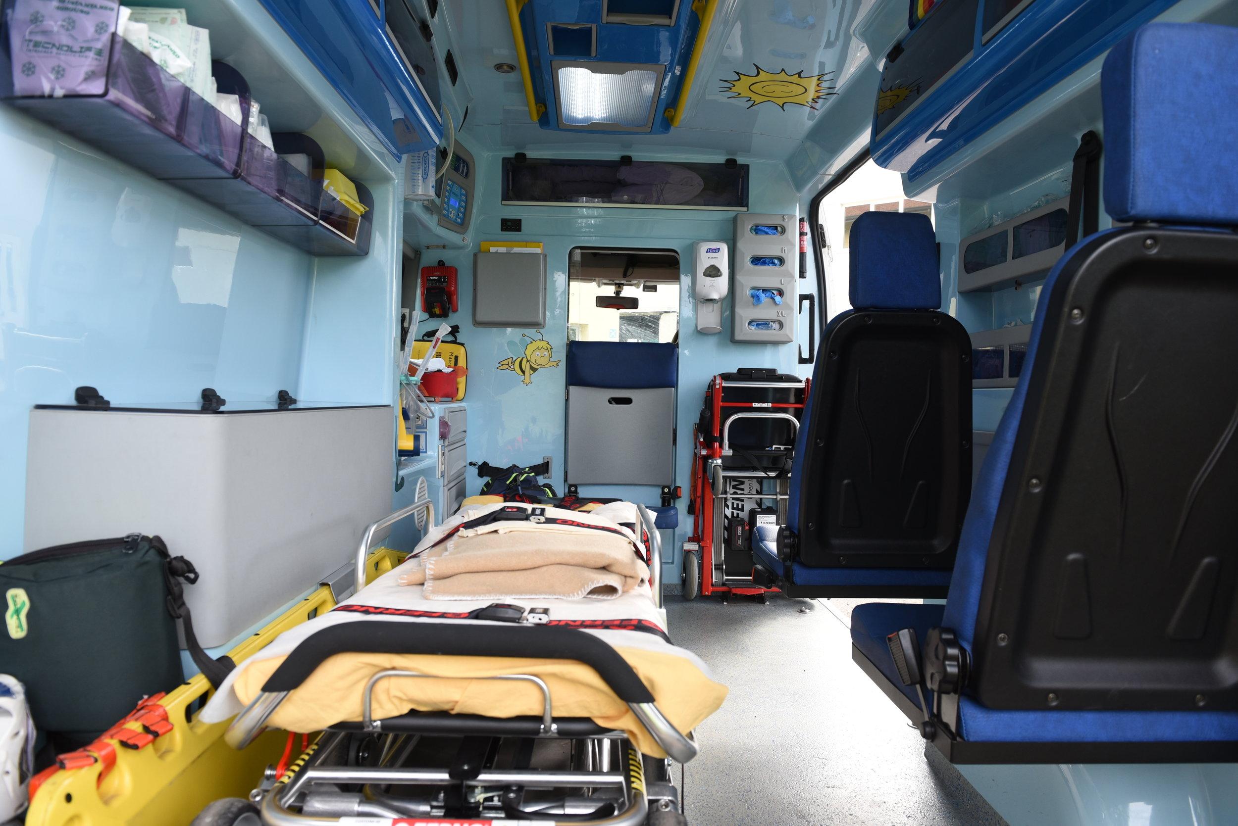 Interno di una Ambulanza