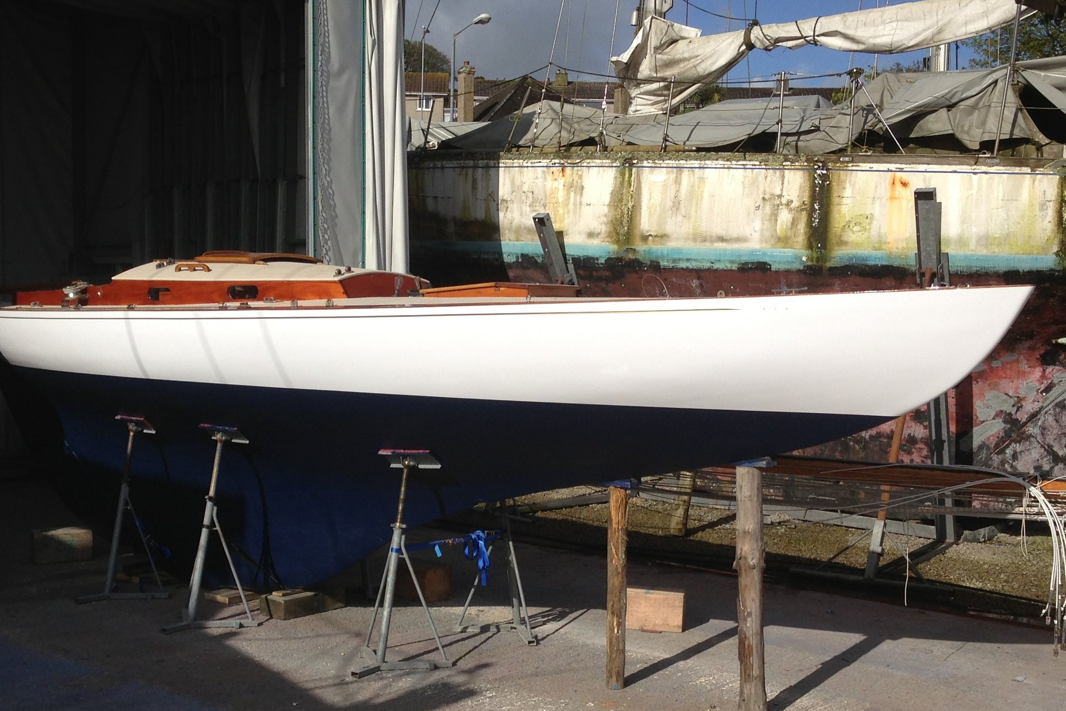 Sol's key skills: Yacht and boat design, construction, refit and surveying. YDSA accredited.