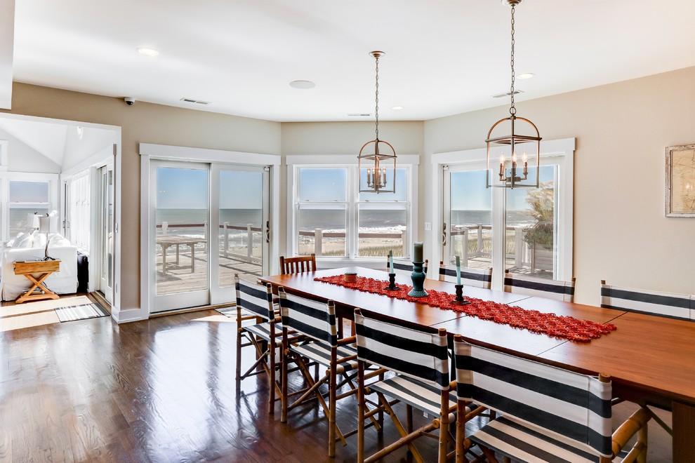 beach-style-dining-room.jpg