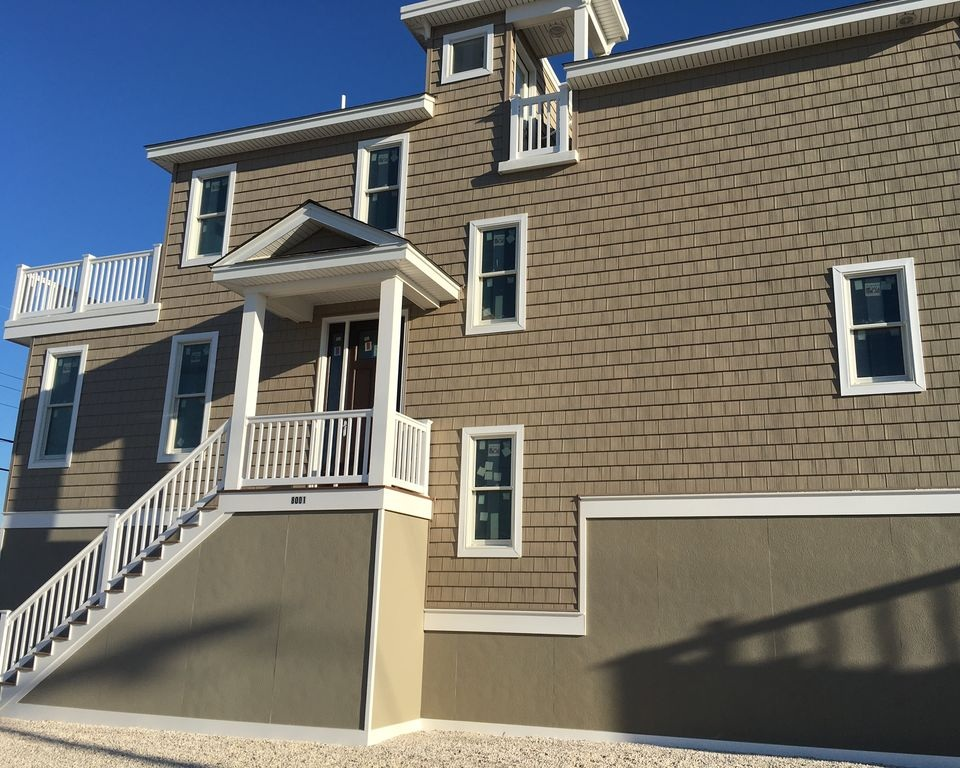 Brighton Beach, NJ - 4 bedrooms, 2.5 baths - Sleeps 8
