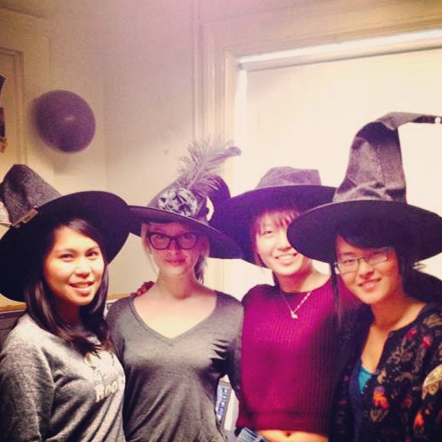 The witches of W.A.T.C.H #halloween #21sussex #openhouse #volunteering #uoft