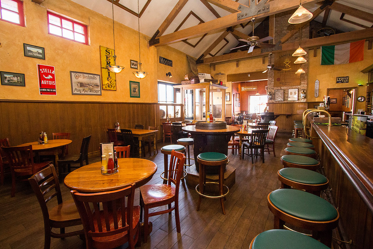 Eateries & Pubs -