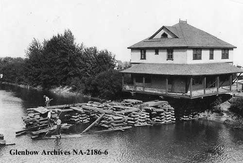 na-2186-6 - Moving of Deane House.jpg