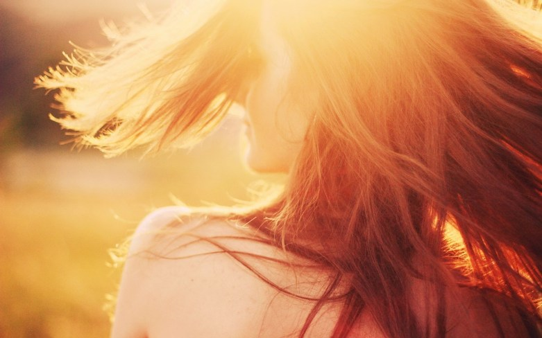 Mood_Girl_Sun_Rays_1938975456.jpg
