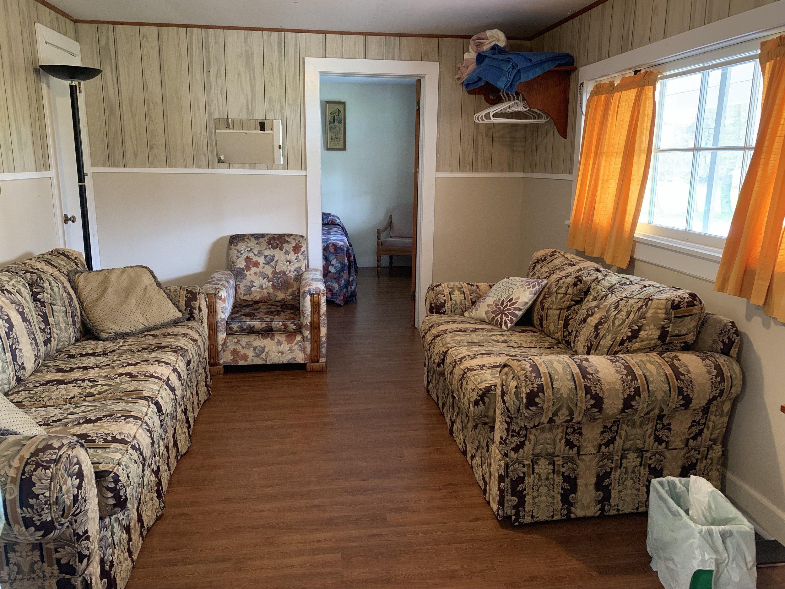 cabin1_11.jpg