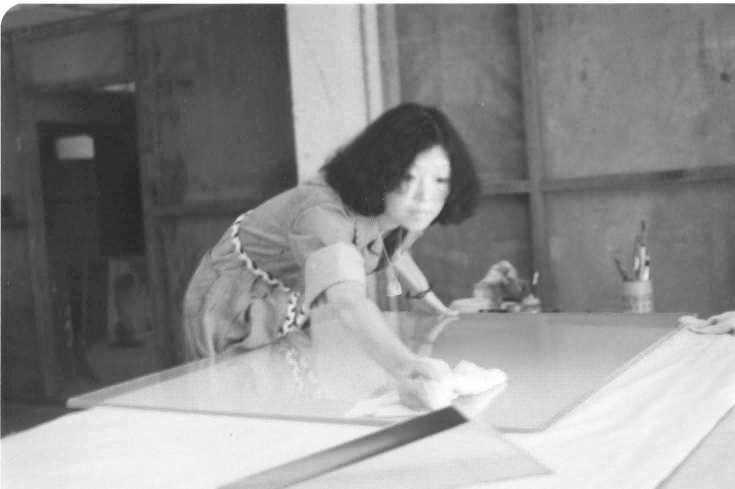 Zhao Hai Tien at work in her studio, 1977