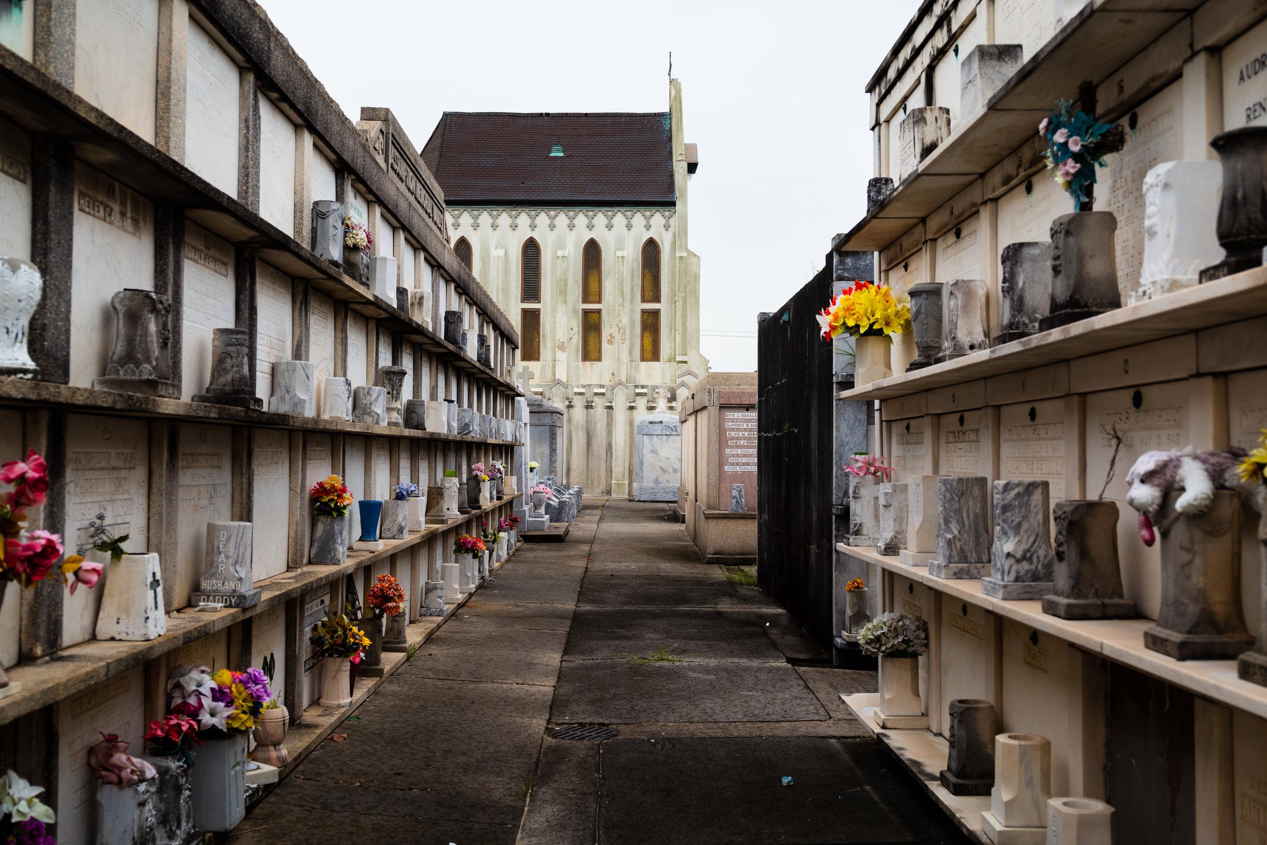 A Travacurio Guide: - exploring new orlean's historic cemeteries