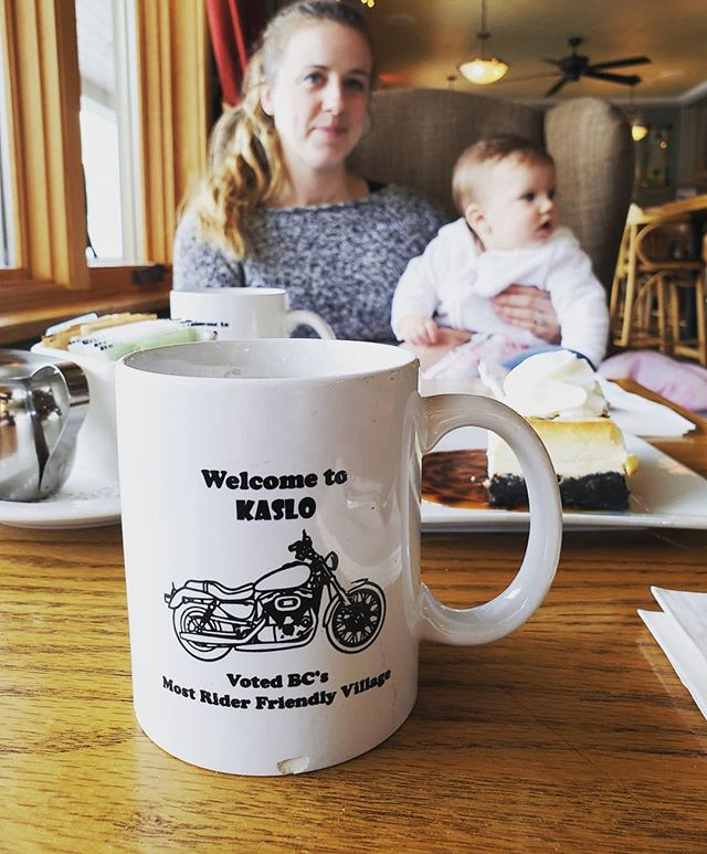 Any pub that serves motorcycles with their coffee is good by me...I'll definitely be back here when there's less snow and ice on the road, until then ☕ . . . #nelson #bc #canada #kaslo #makeeveryridecount #winter #motorcycle #family #coffee #mug