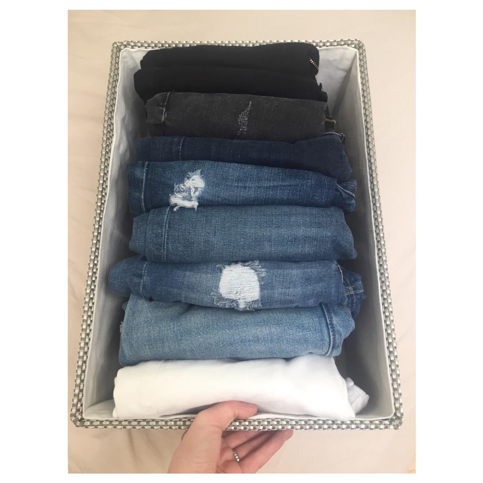 File Folded Jeans