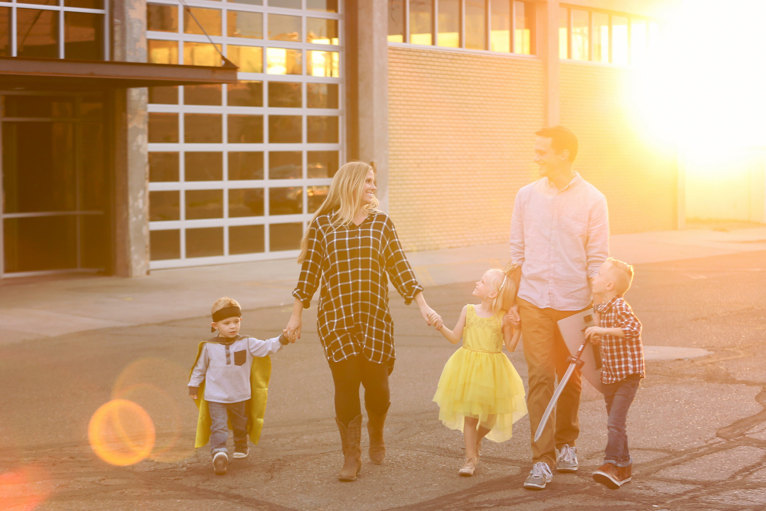 families for melissa-family eindfeldt downtown-0038.jpg