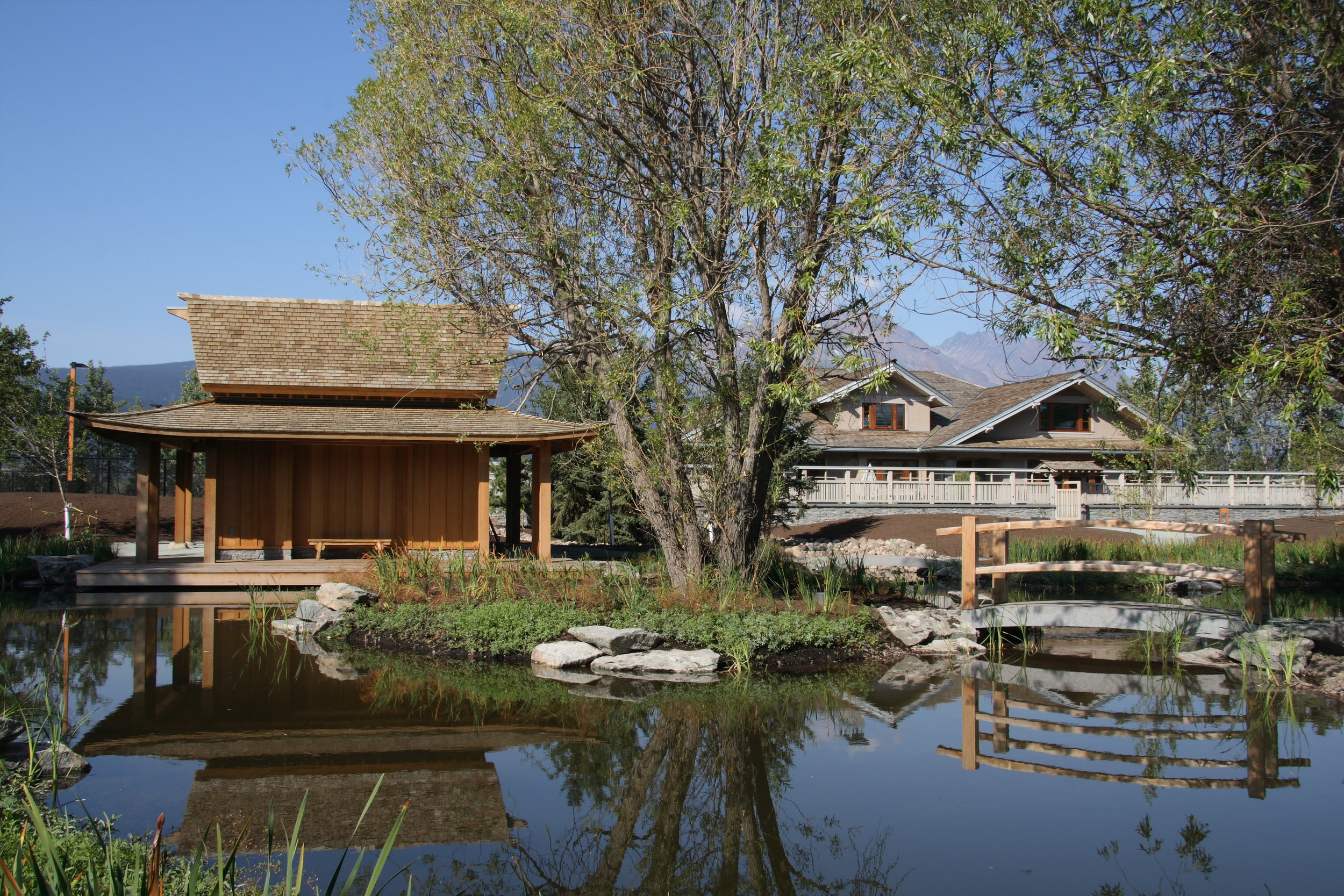 house & pond house.JPG