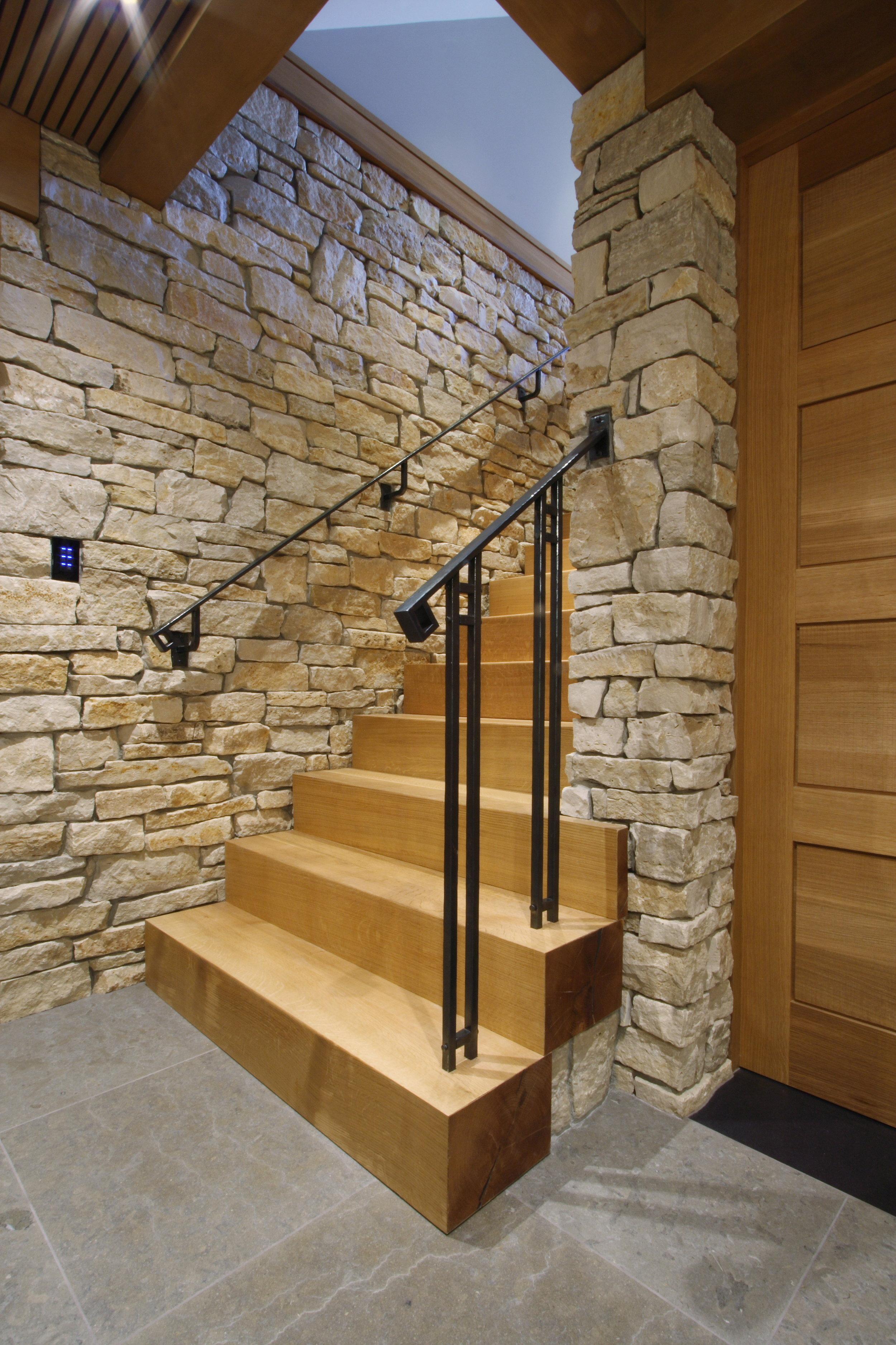 lower stair.JPG