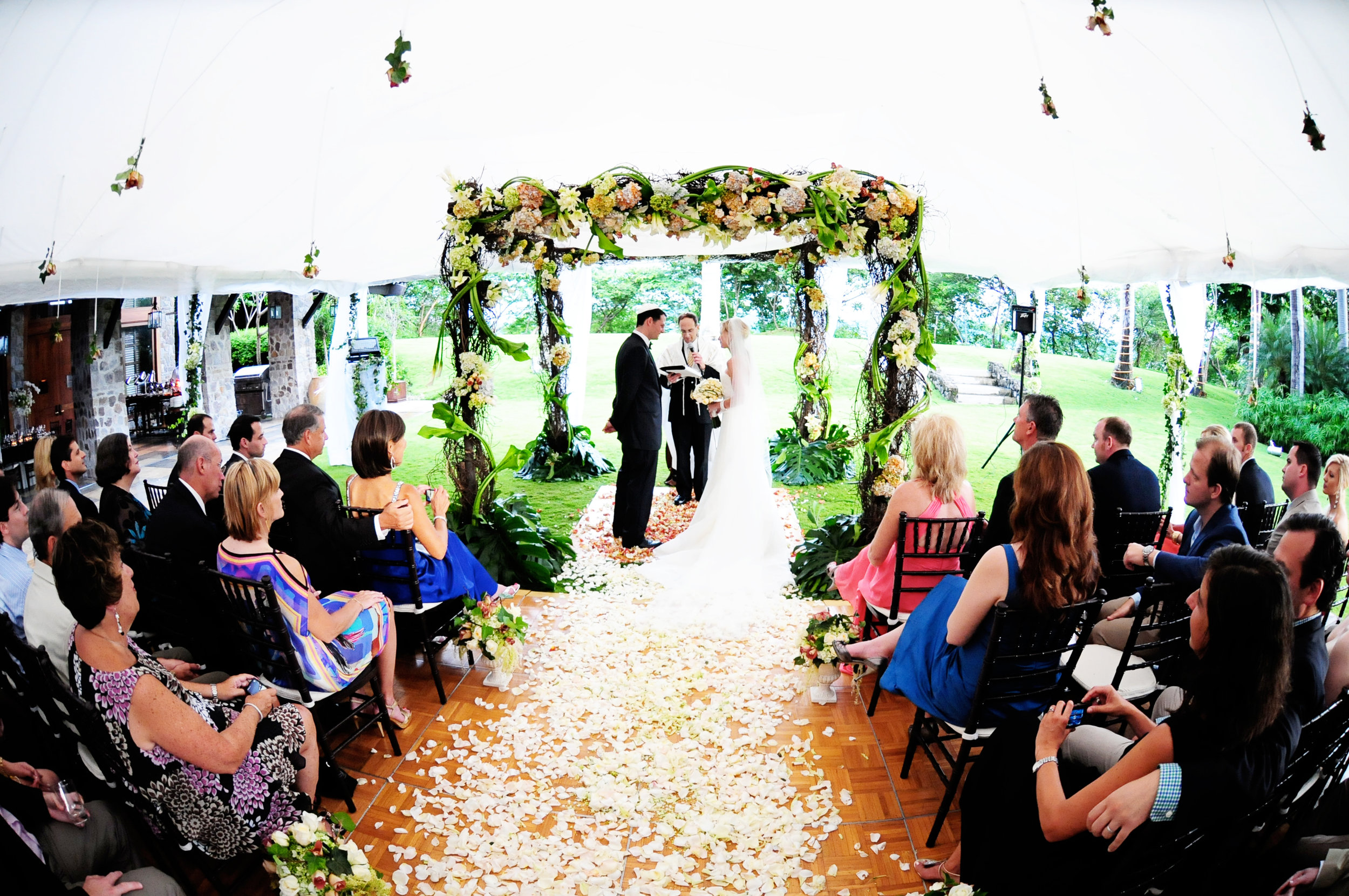 elegant-jewish-wedding-ceremony-costa-rica.jpg