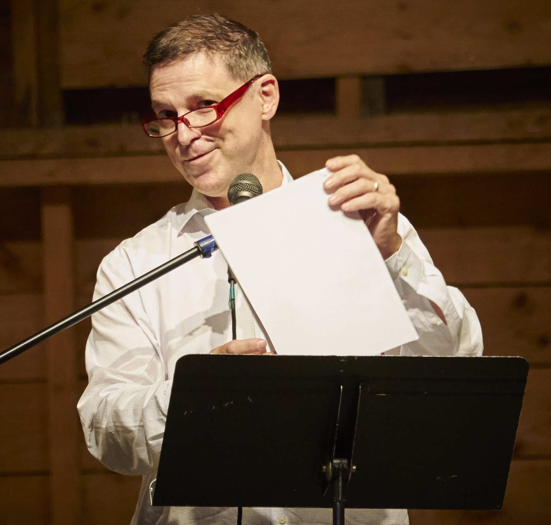 Mark Mandrano giving a pre-concert lecture. Photo by Peter Felsenthal.