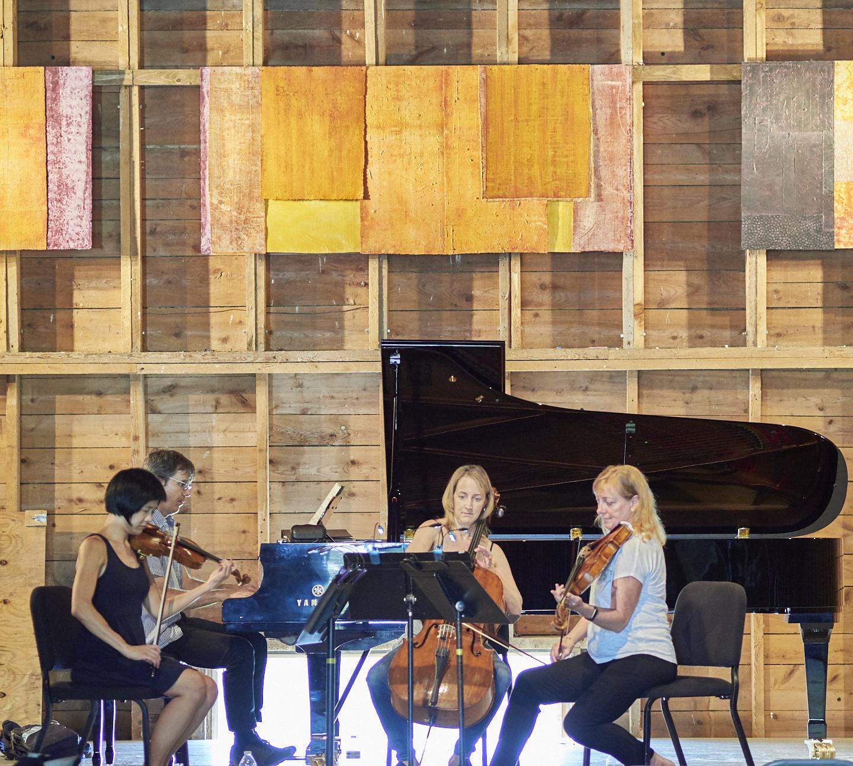 Jennifer Koh, Thomas Sauer, Wilhelmina Smith, Cynthia Phelps, in rehearsal (2017). Photo by Peter Felsenthal.