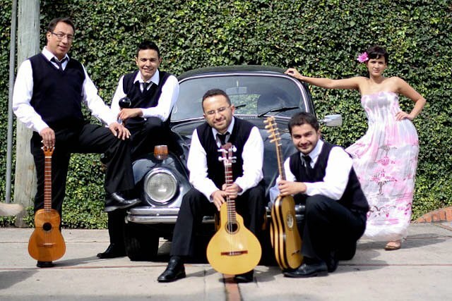 #escarabajo  #cuatro #bandolallanera #maracas #barrocomestizo #conciertobarrocomestizo #guitarrabarroca #earlymusic #musicaantigua #siquieresdarmaricaenlocierto #wendiyaned