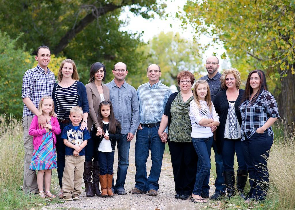 Ryan Mohr & Family for web 8060