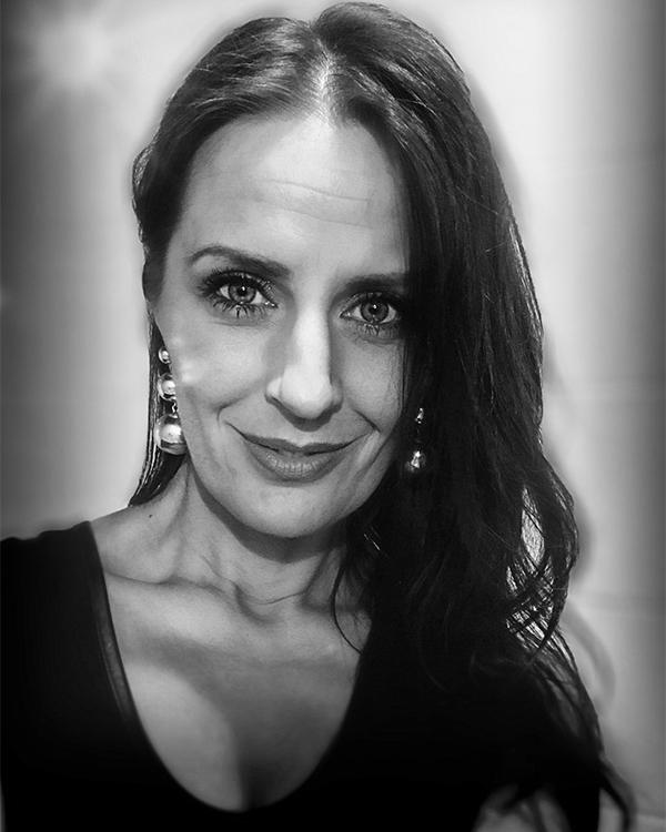 KristiinaKirsel - …. Kunstiline juht .. Art director .. Художественный руководитель .. Taiteellinen johtaja ….kristiina@valguskonnib.ee