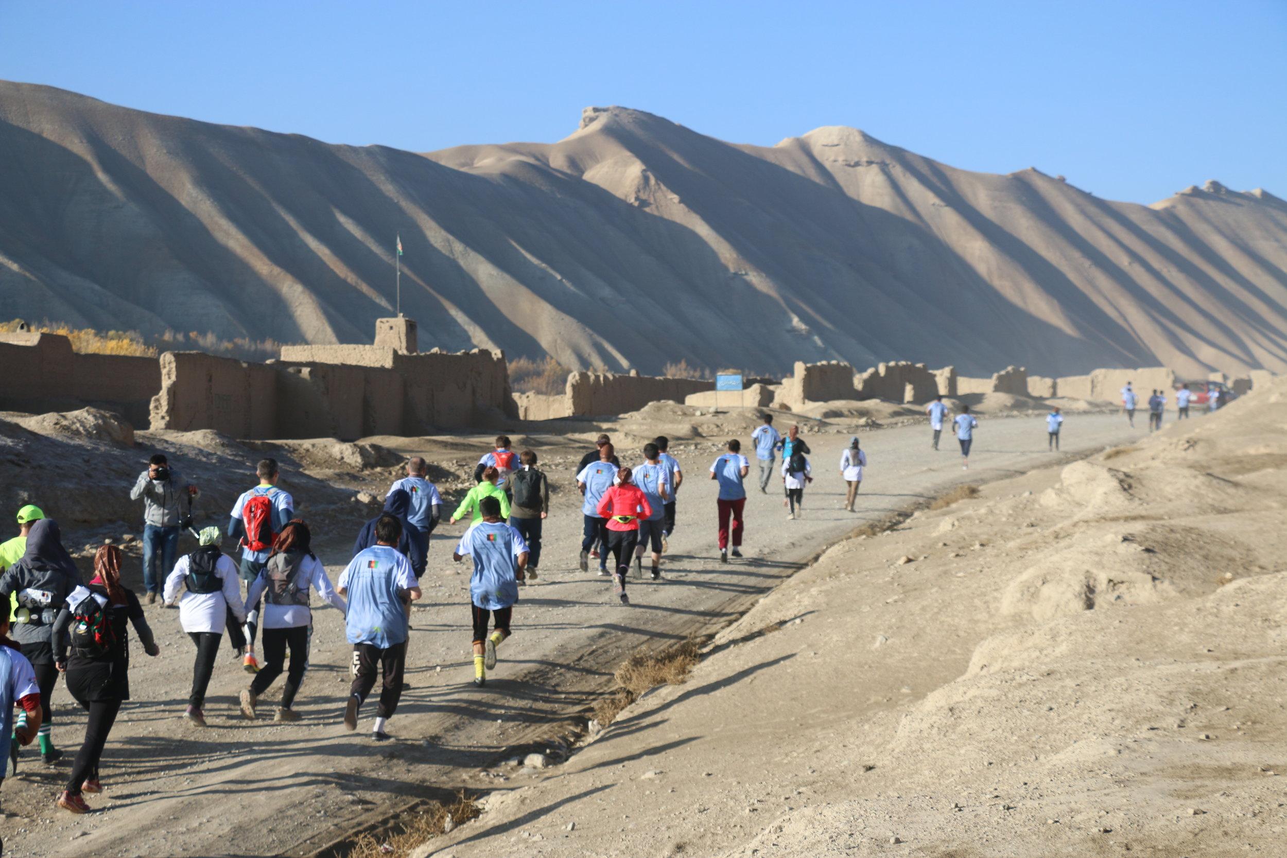 Runners in the 2016 Marathon of Afghanistan. Credit: Latif Azimi