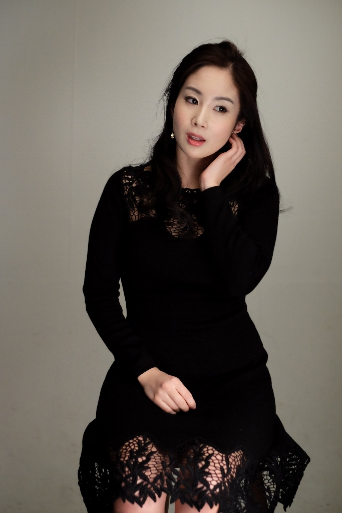Yona Totten Modelling 4.jpg