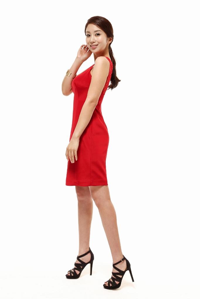 Yona Totten Modelling 8.jpg