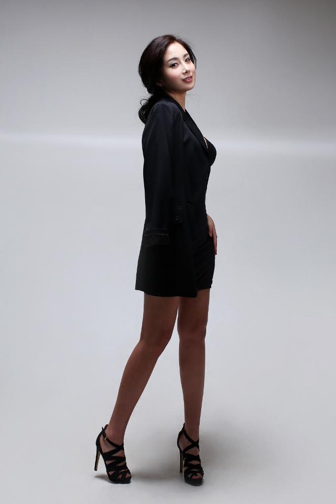 Yona Totten Modelling 12.jpg
