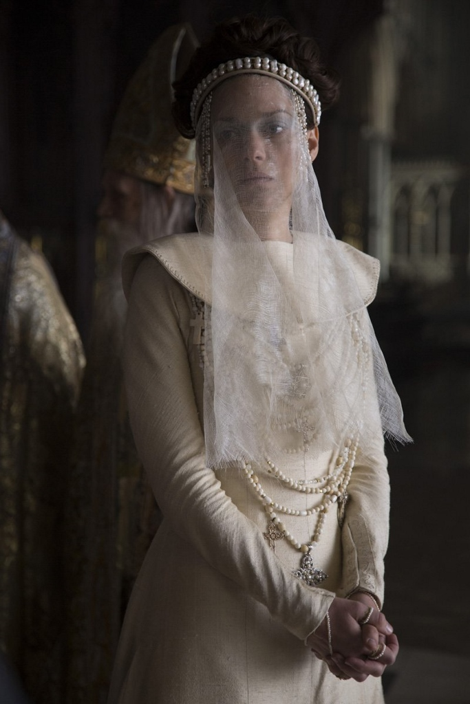 marion-cotillard-Macbeth-2015-dress.jpg