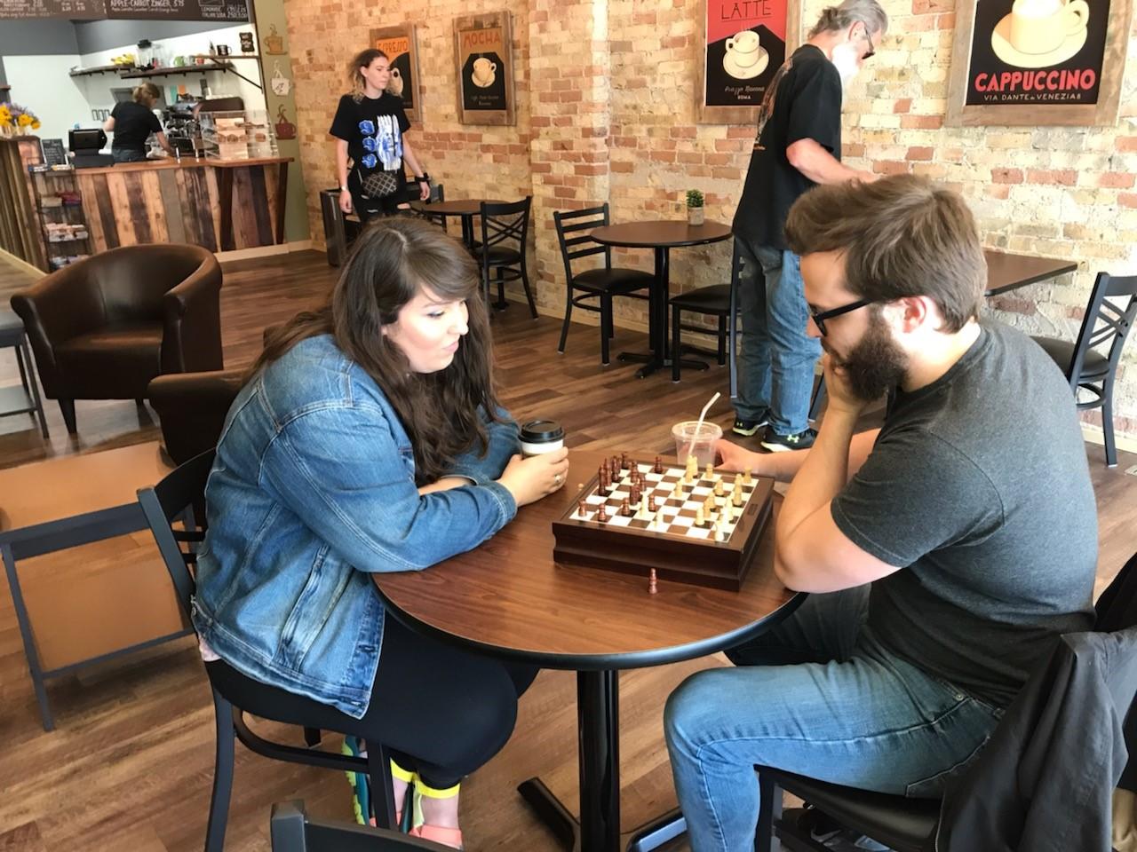 Abrazo Chess.jpg
