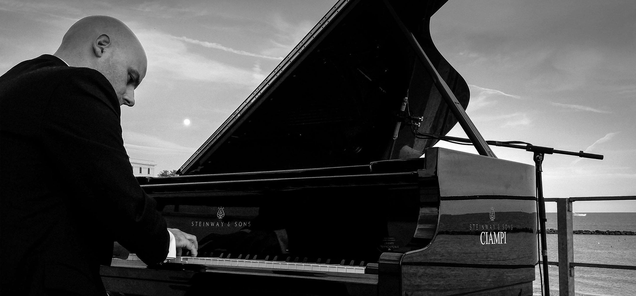 Simone concerto pianoforte.jpg