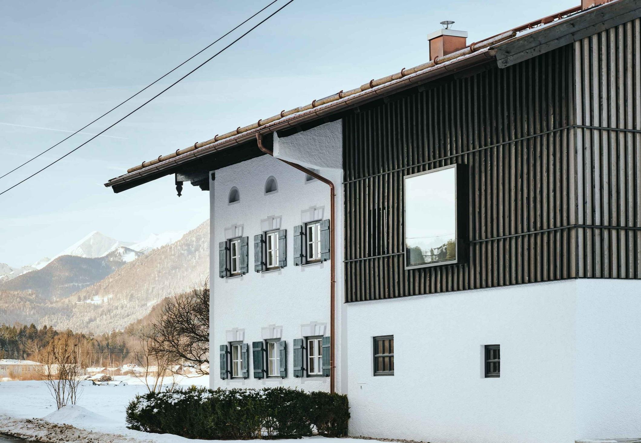 Buero Philipp Moeller-Sanierung-Bauernhaus-Bayern1.jpg