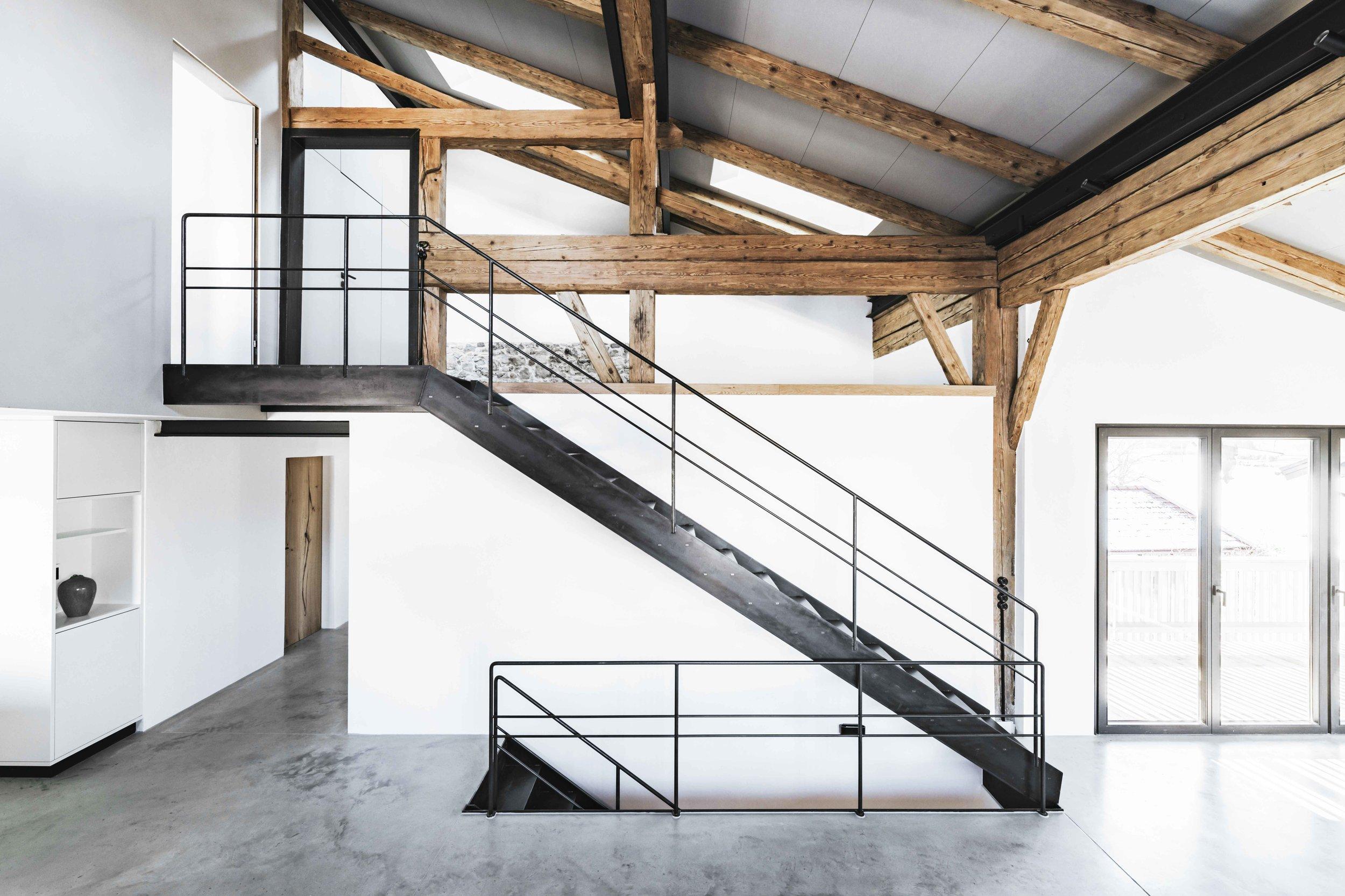 Buero Philipp Moeller-Bauernhaus-Sanierung-Tenne4.jpg