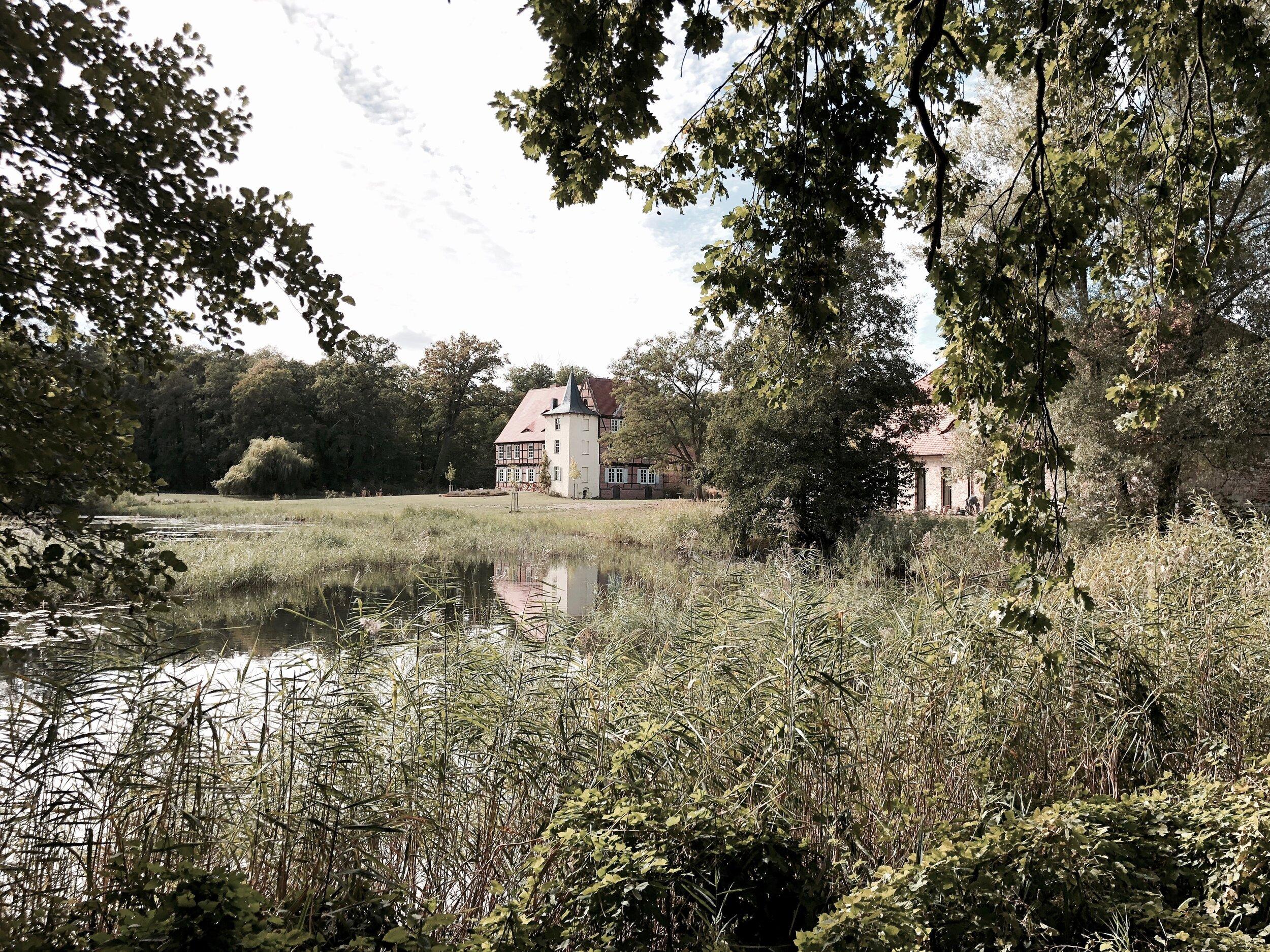 Philipp Moeller-Architekt-Neubau-Doppelhaus-Ammersee1.jpg