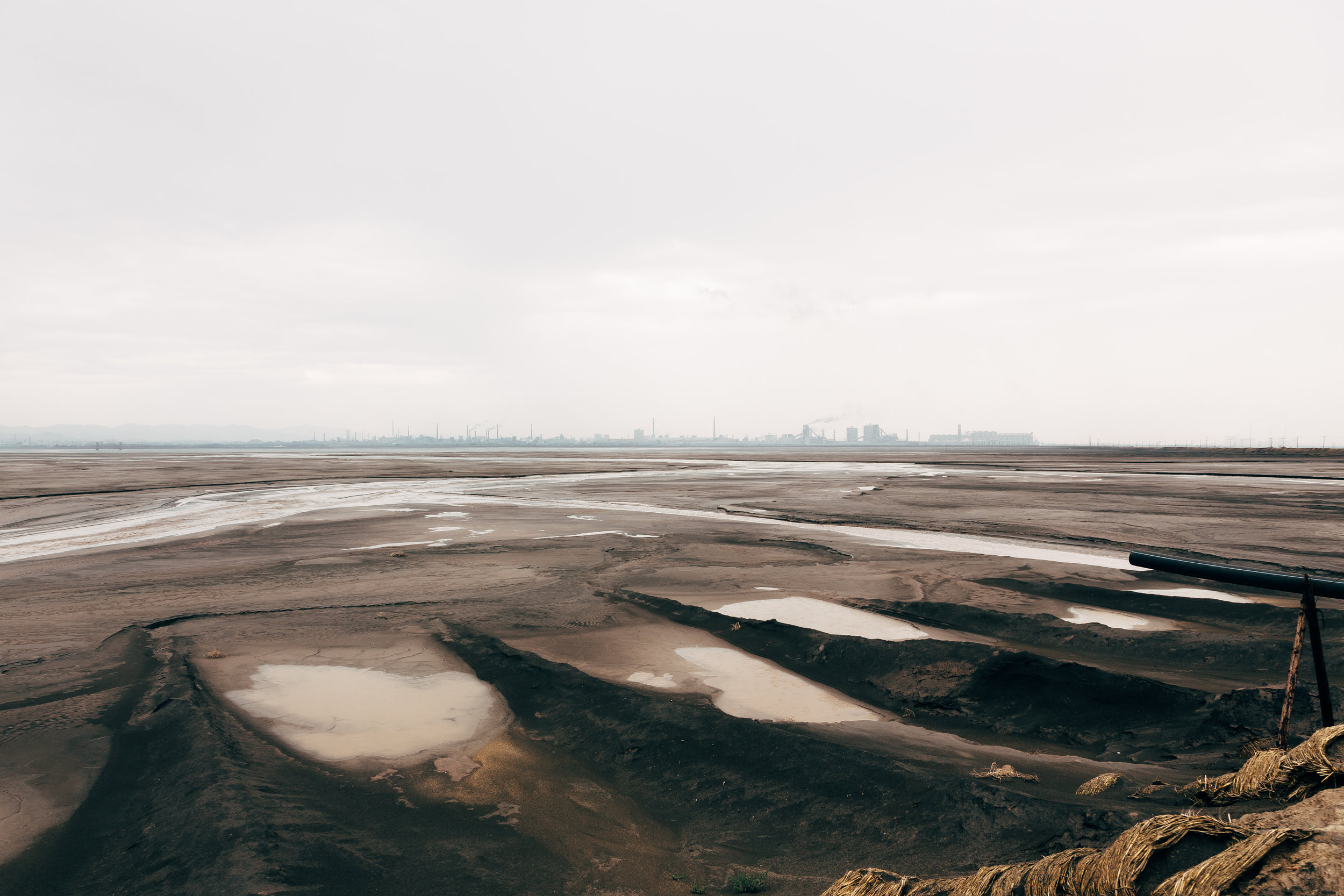 Baotou Tailings Lake III    2015  C-type print; 114 x 160 cm (Edition of 4) or 86 x 120 cm (Edition of 7)
