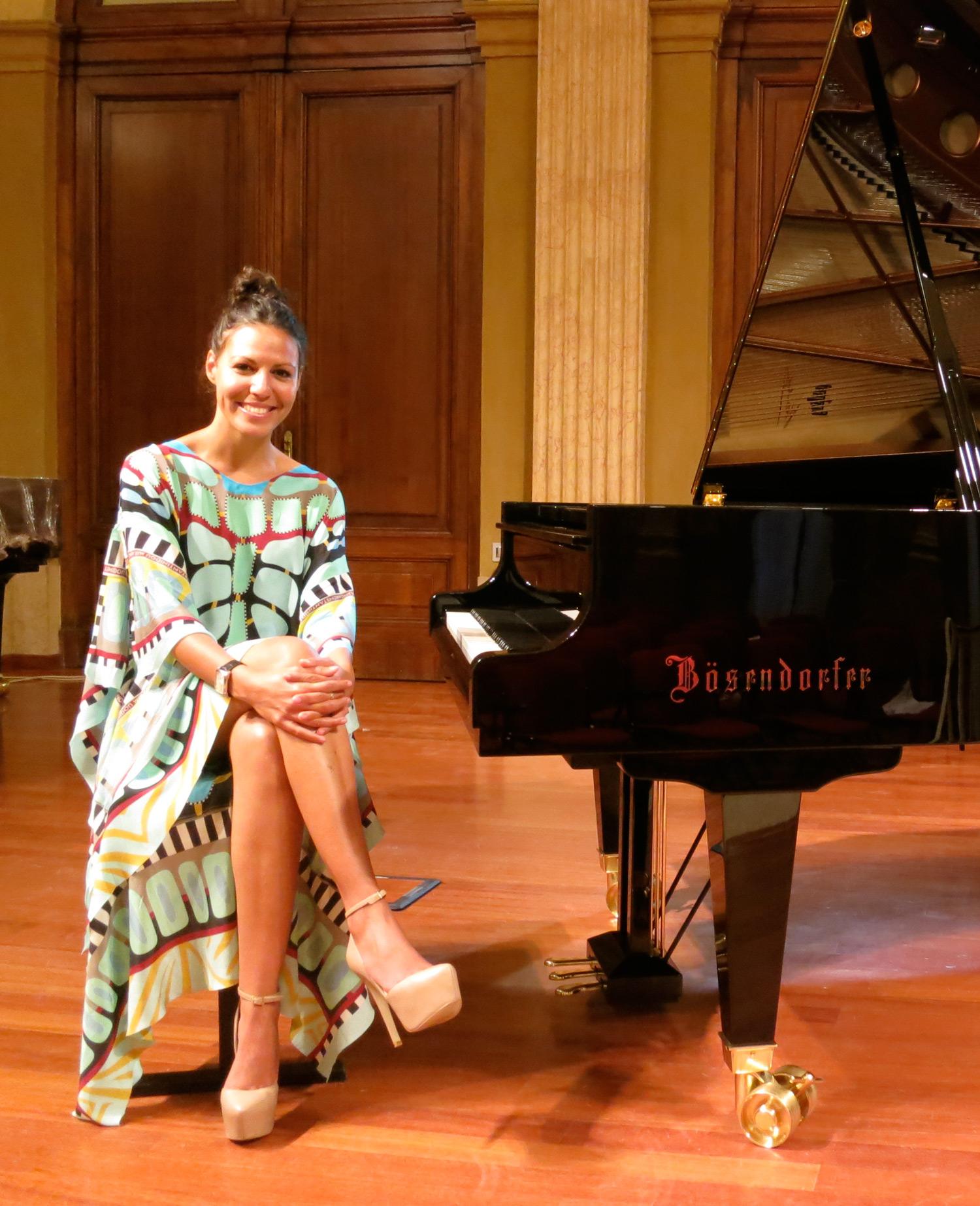 marialy-piano.jpg