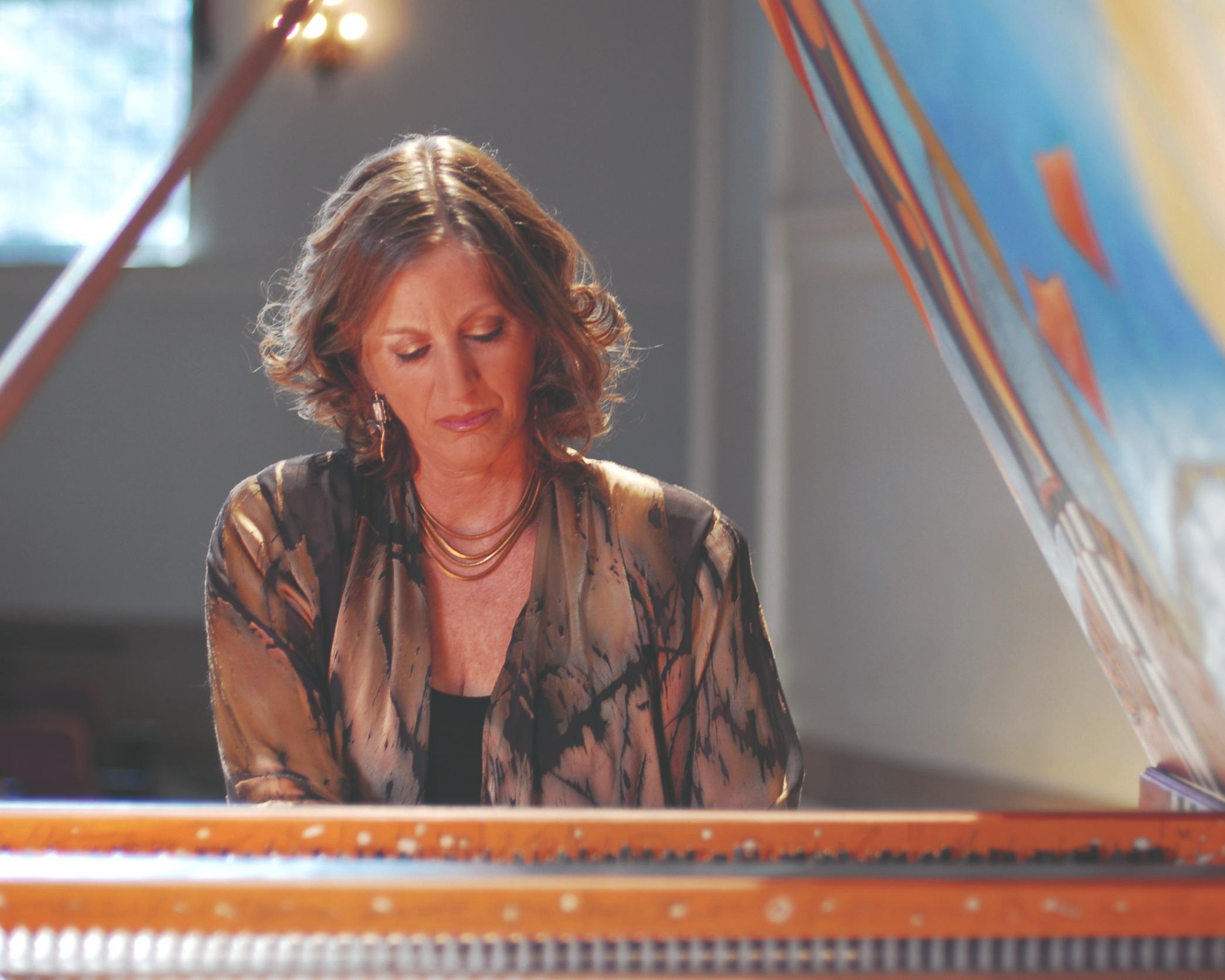 Elaine+Hapsichord+141.jpg