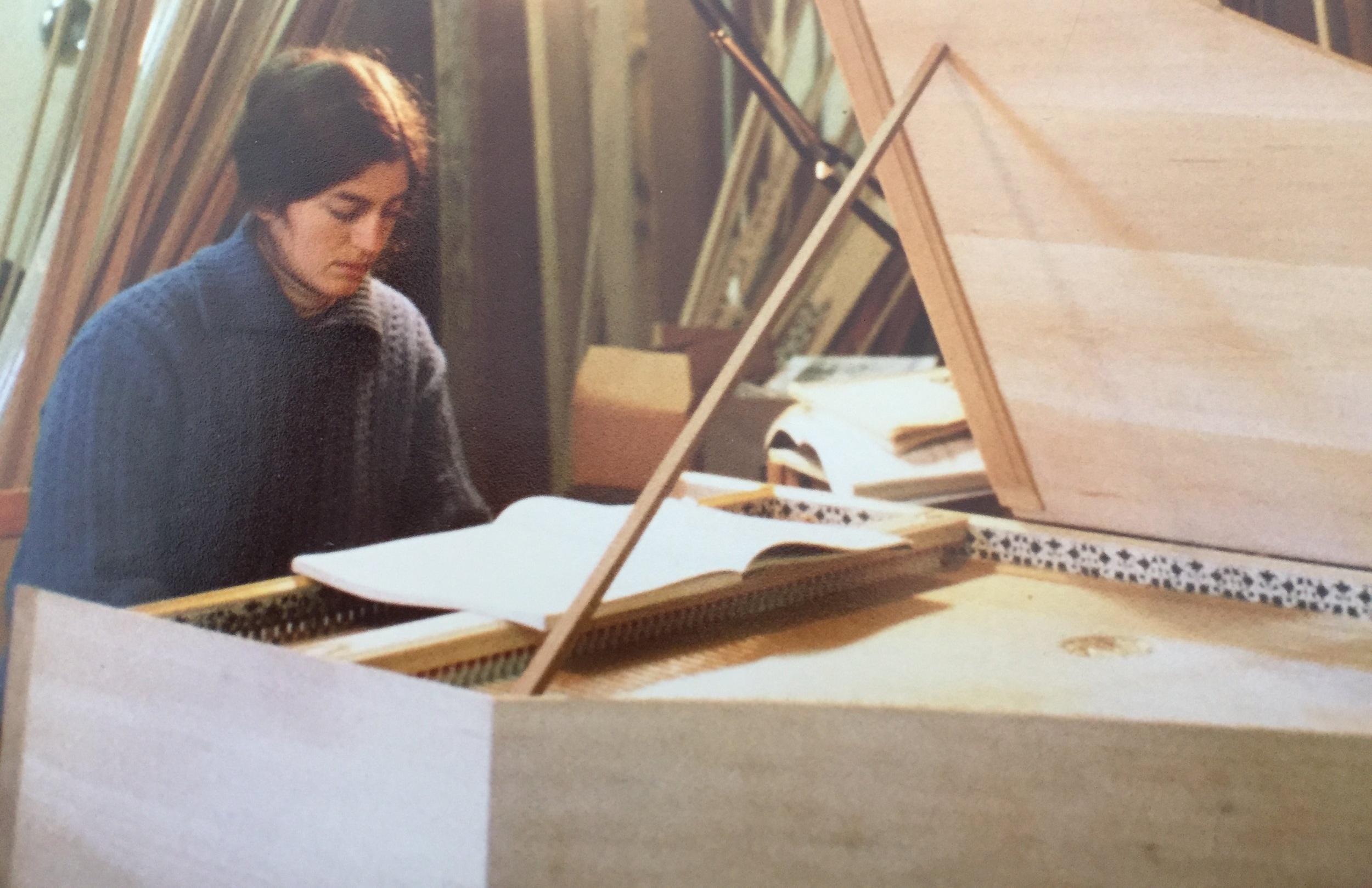 Elaine+at+the+Harpsichord.jpg