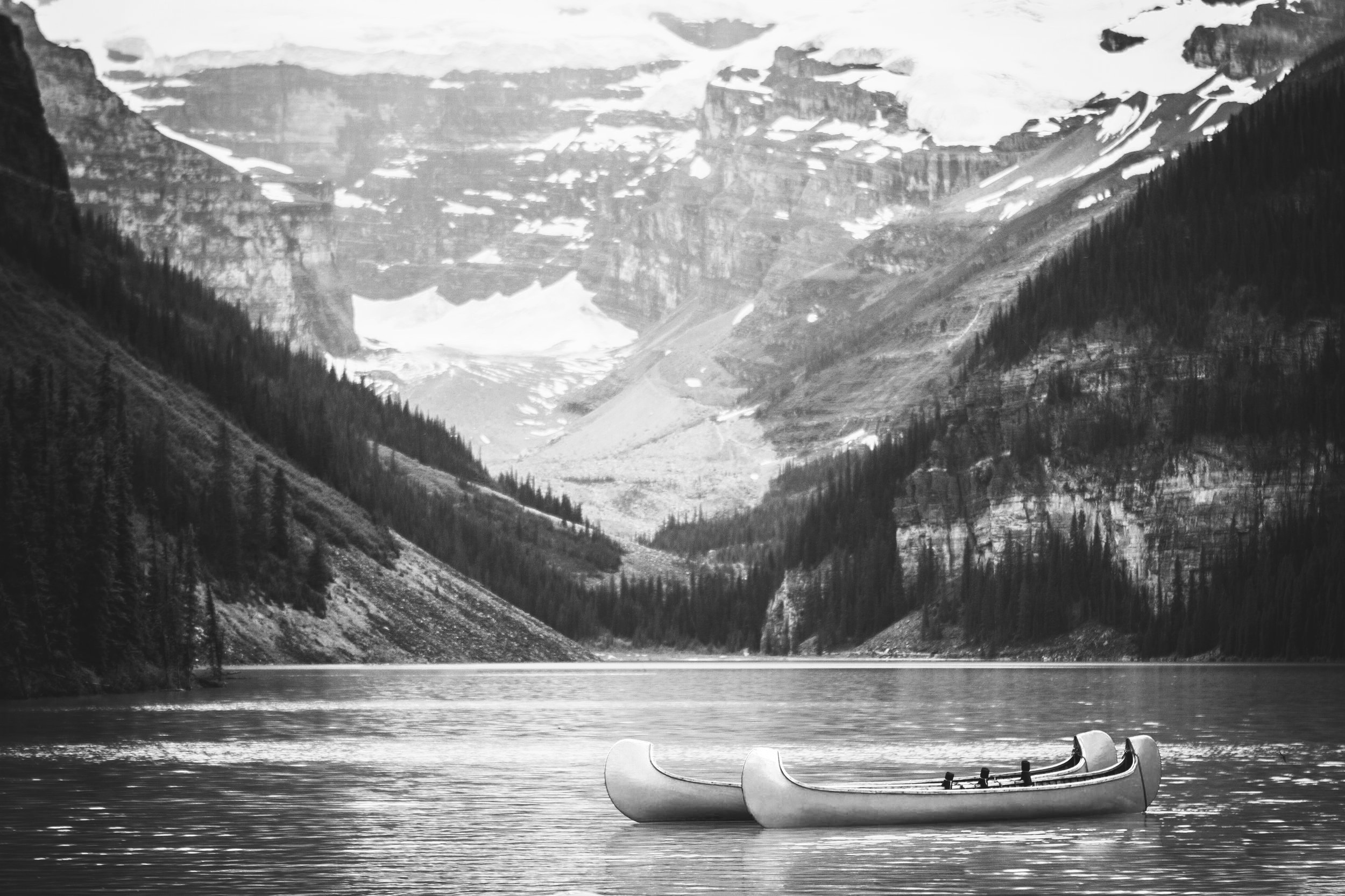 Image of Lake Louise with boats in the water
