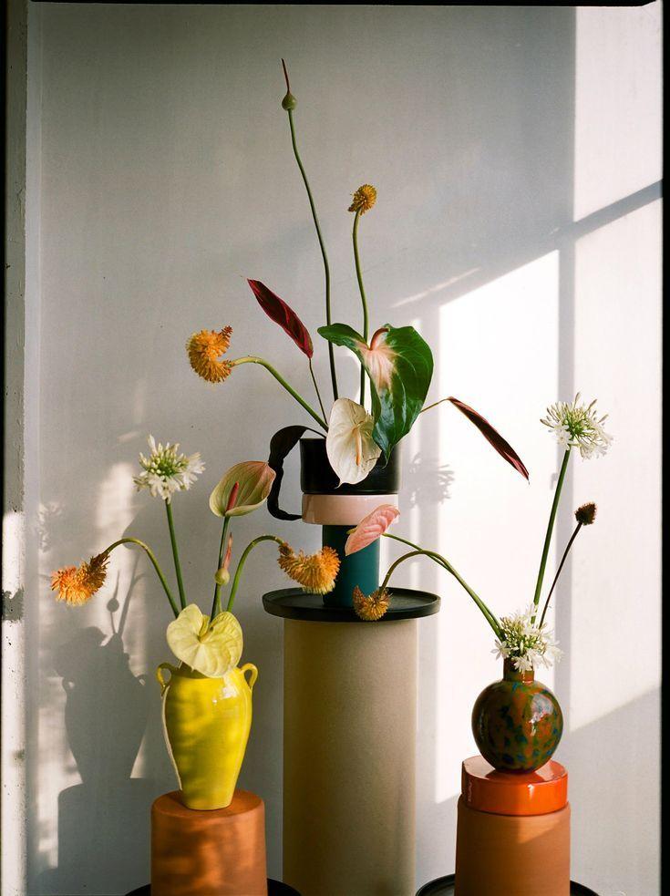 Meet florist and designer Carolina Spencer of Matagalan Plantae, whose flower arrangements almost feel more painted than real.jpeg
