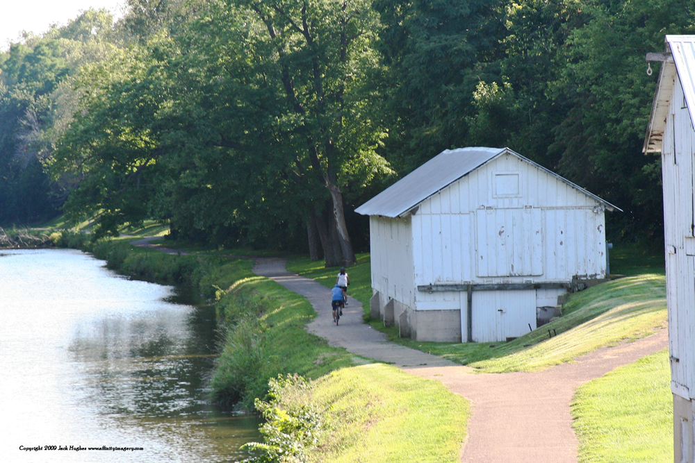 Parks & Trails-Hennepin Canal content photo.png