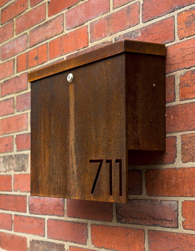 1315_SolsticeWilliams_014+mailbox.jpg