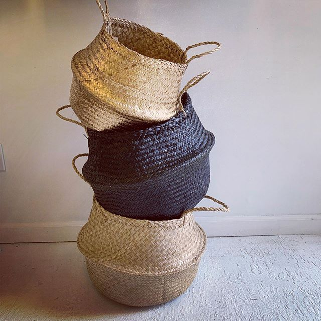 Amante Marketplace seagrass belly baskets offer many beautiful options for storage. Handmade by female artisans in Vietnam ethically and for fair trade wages. Swipe to see these beauties in action and read more about @amantemarketplace.