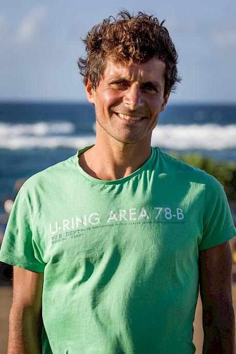Davide Carrera - An Ambassador of the One Ocean Foundation since the beginning, Davide has been proud to promote the Charta Smeralda on behalf of the Foundation. Davide was born in Turin and spent his childhood learning to free dive in Liguria in the summer or training to swim at a competitive level in the winter. He moved on to discover his love for Yoga and combines the mentality and breathing techniques with his free diving. He has won several international competitions and holds national and world records. The motivation that pushes him to promote his love for sports and nature, as an inner guide, comes from the freedom and peace that he gains from his contact with the sea.