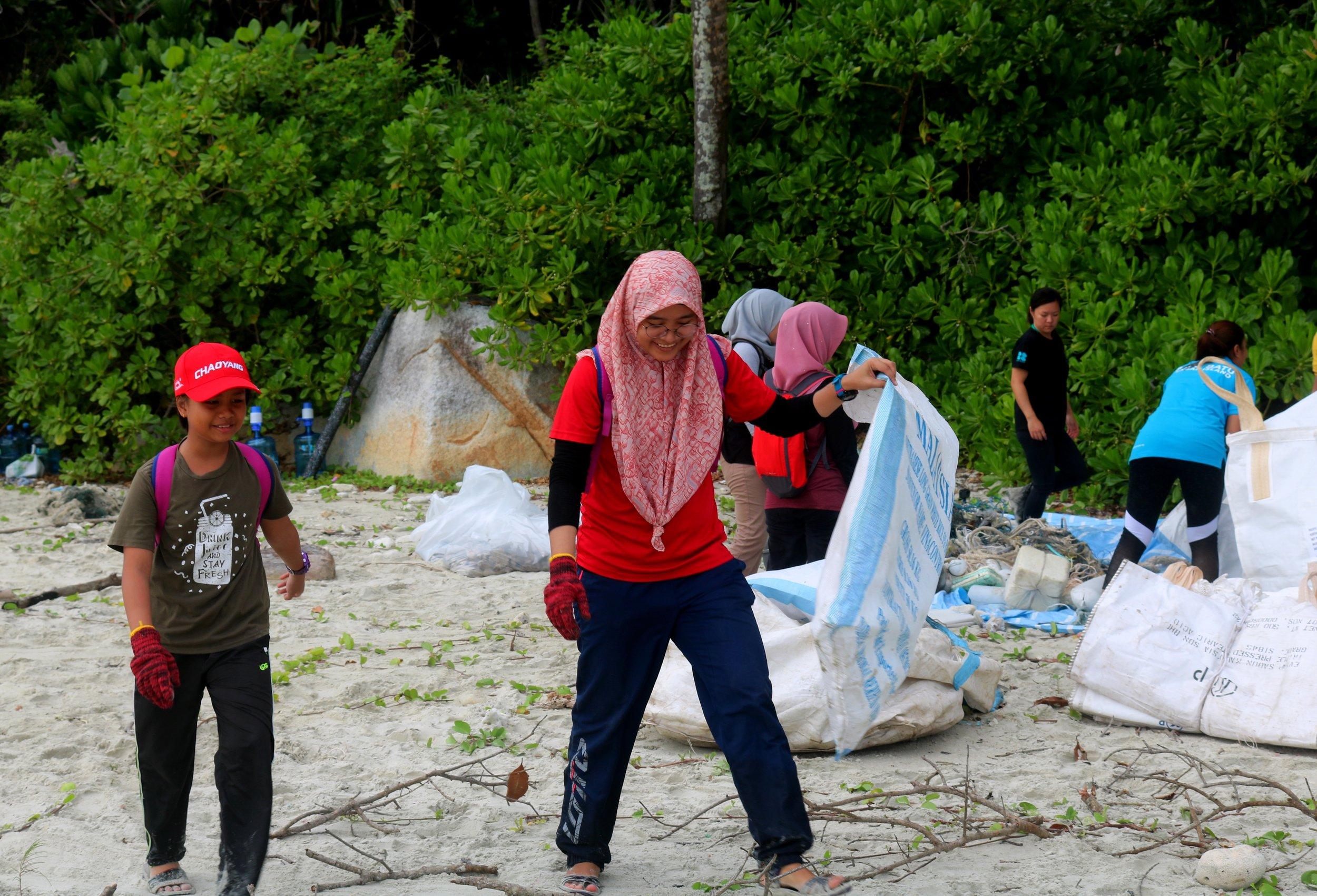 beach cleans -