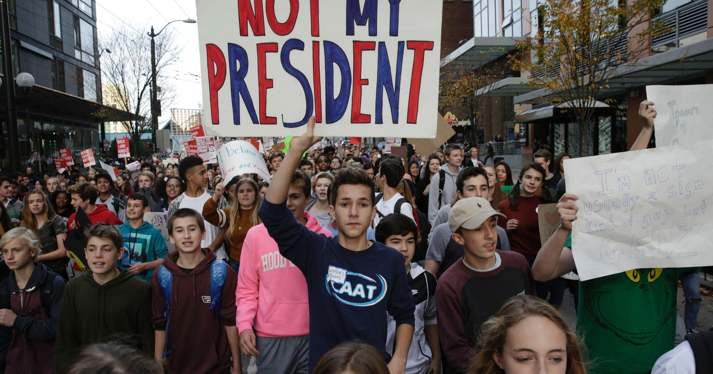 Students march for stricter gun laws, Seattle 2019.