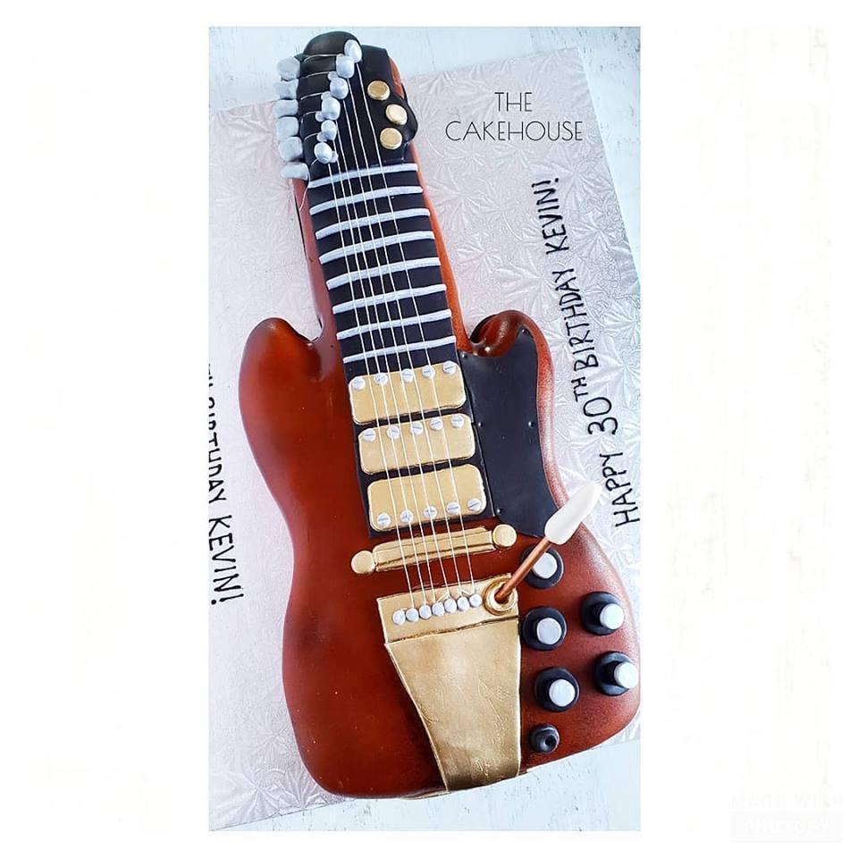Guitar Cake.jpg